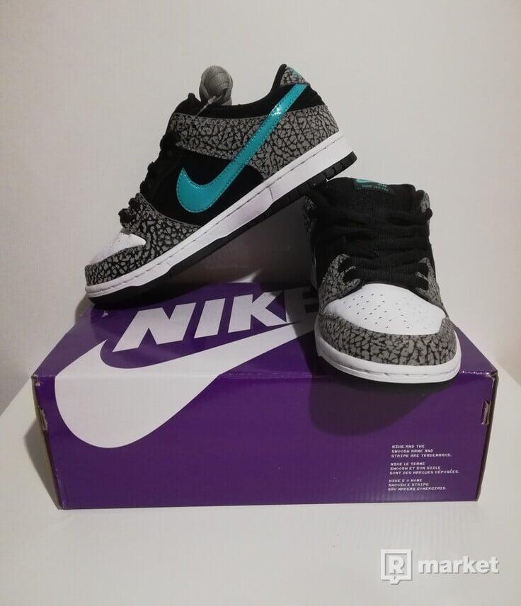 Nike sb Dunk Low Pro Atmos Elephant