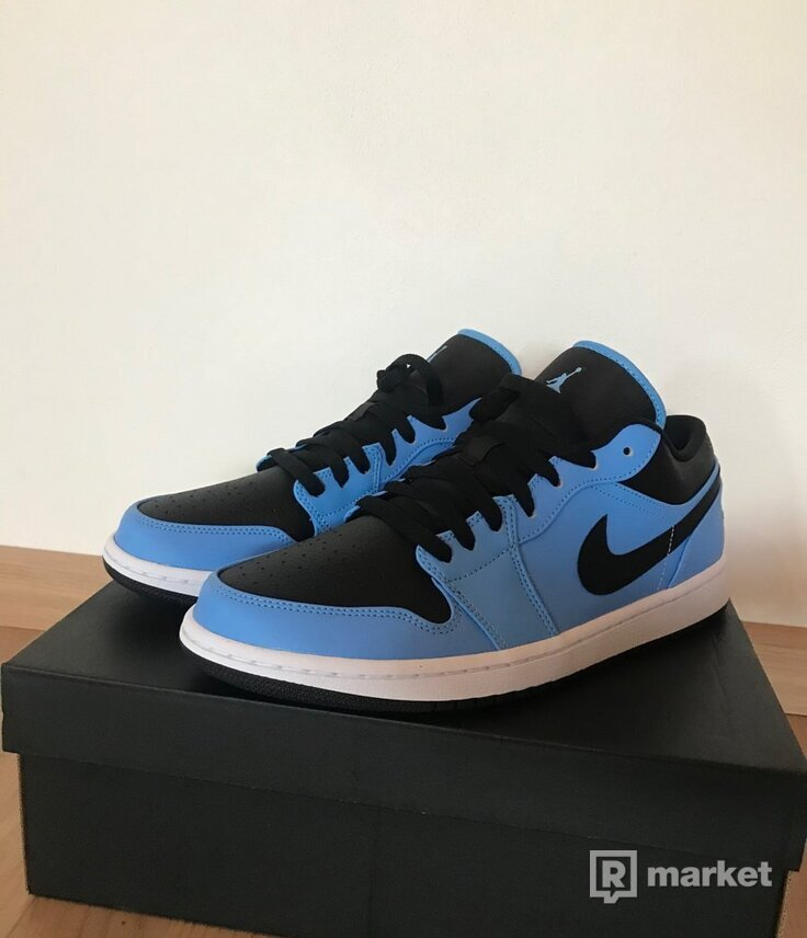 Jordan 1 Low university blue/black