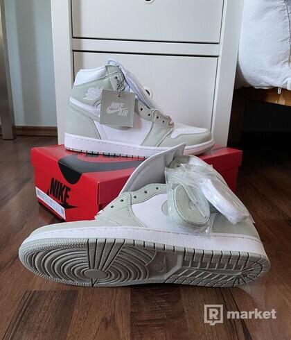 "Nike Air Jordan 1 High (W) - ""Seafoam"""