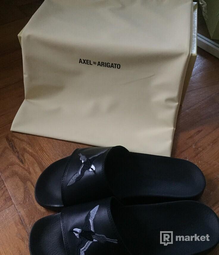 Axel Arigato slides (Footshop)