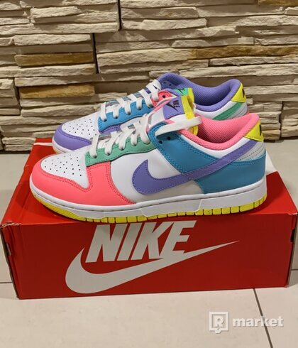 Nike Dunk Low SE Easter