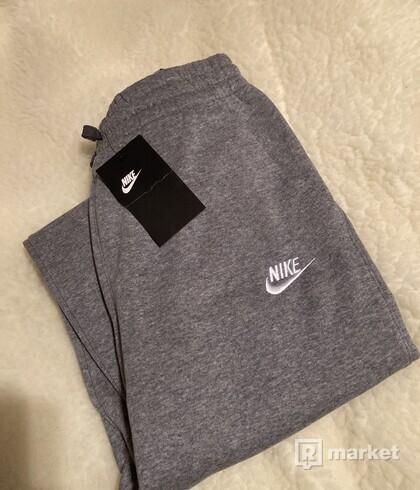 Nike tepláky