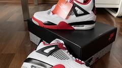 """Air Jordan 4 - """"Fire Reds"""""""