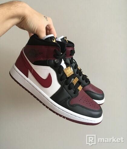 Jordan 1 Mid Beetroot [38]