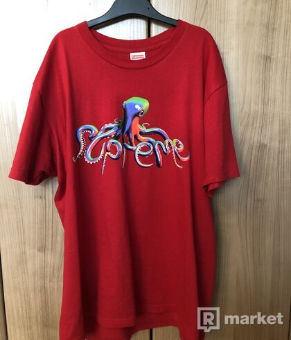 SUPREME TENTACLES TEE RED