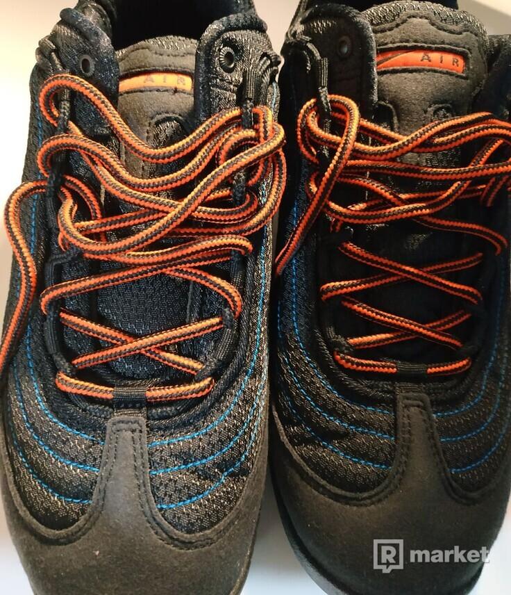 Nike ACG Air Skarn US 8.5 / UK 7.5 / EU 42 / 26.5 cm