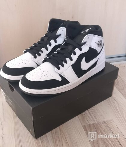 Air Jordan 1 Mid White Black
