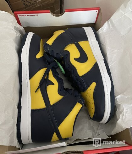 Nike Dunk High Michigan (2020) US7, US8, US8.5, US9, US9