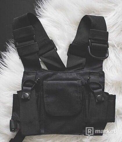 Basic chest bag