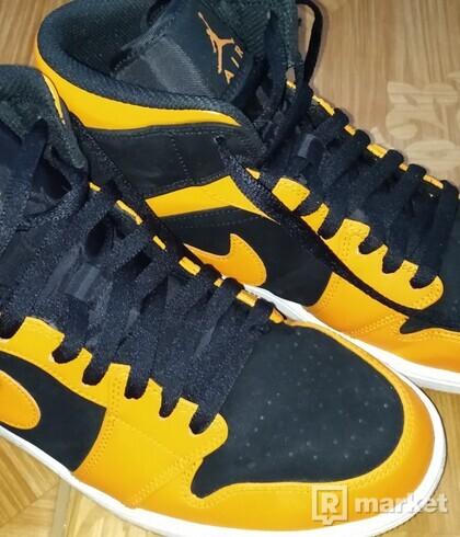 Jordan 1 Mid Black Orange Peel