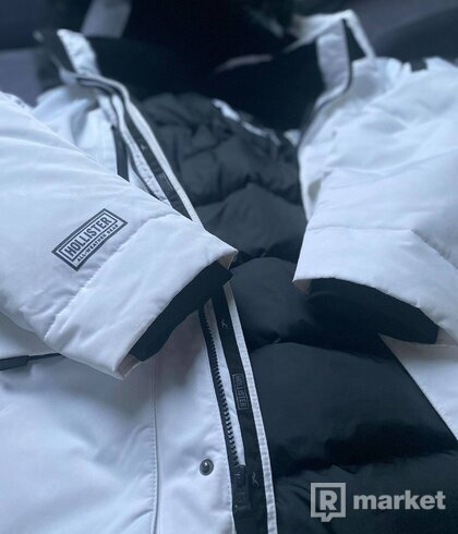 HOLLISTER Zimná bunda