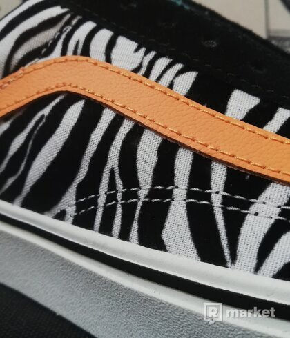 VANS Old Skool ComfyCush Zebra