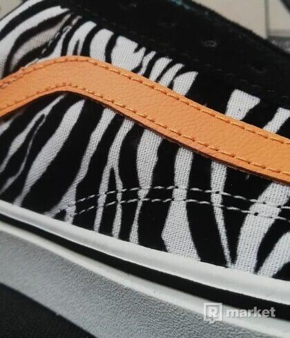 VANS Old Skool ComfyCush Zebra