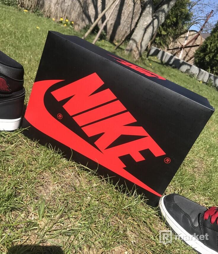 Nike air jordan 1 black satin