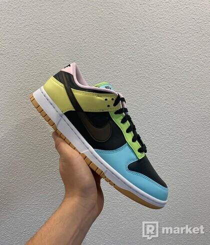 Nike Dunk 99 Low