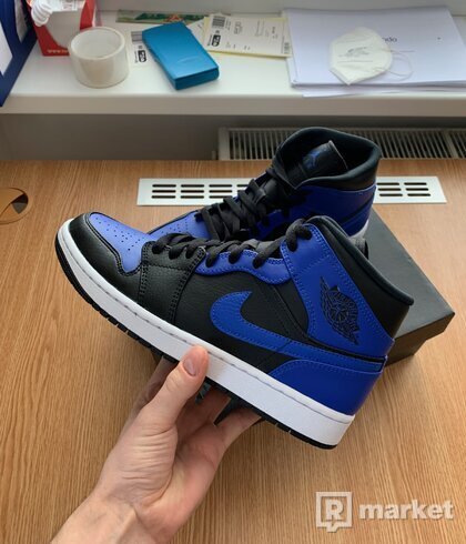 Nike Air Jordan 1 Mid Royal