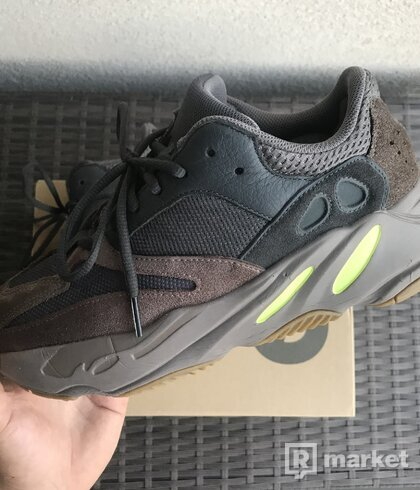 Adidas Yeezy 700 Mauve US8.5/EU42