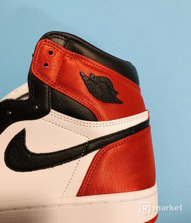Jordan 1 Retro High Satin Black Toe (W) US 8,5