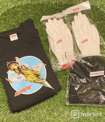 Supreme Jet Tee Black, Loose  Gauge Beanie Black, Rubberized Gloves