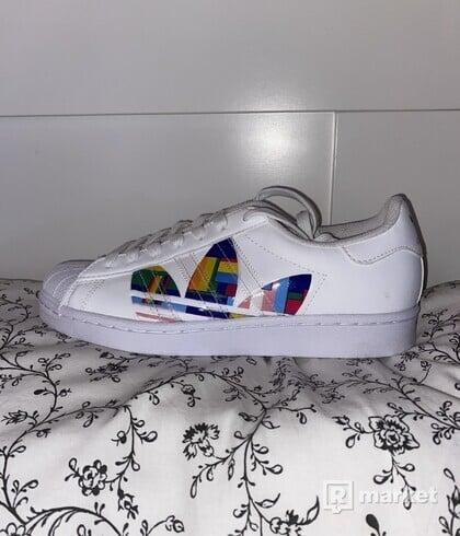 Adidas Superstar (pride)