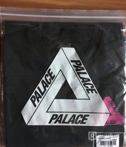 Palace Tri To Help Black Fuchsia