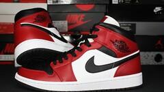 """Air Jordan Retro 1 Mid """"Chicago Black Toe"""""""