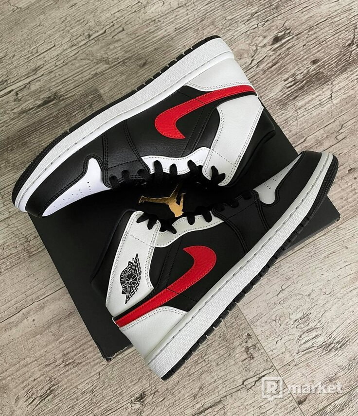 Jordan 1 Mid Chile Red
