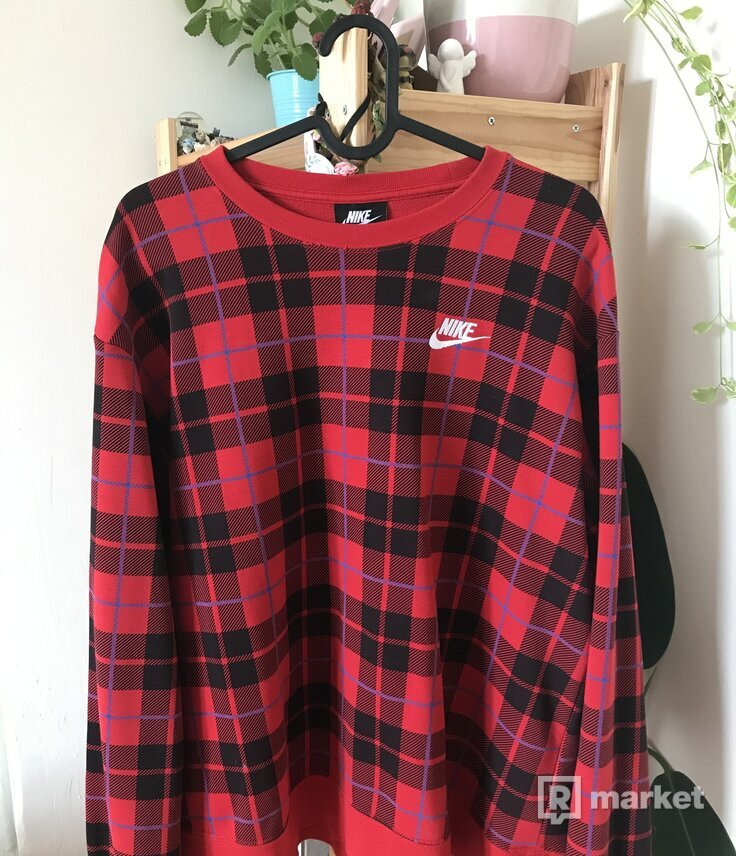 Nike crewneck red