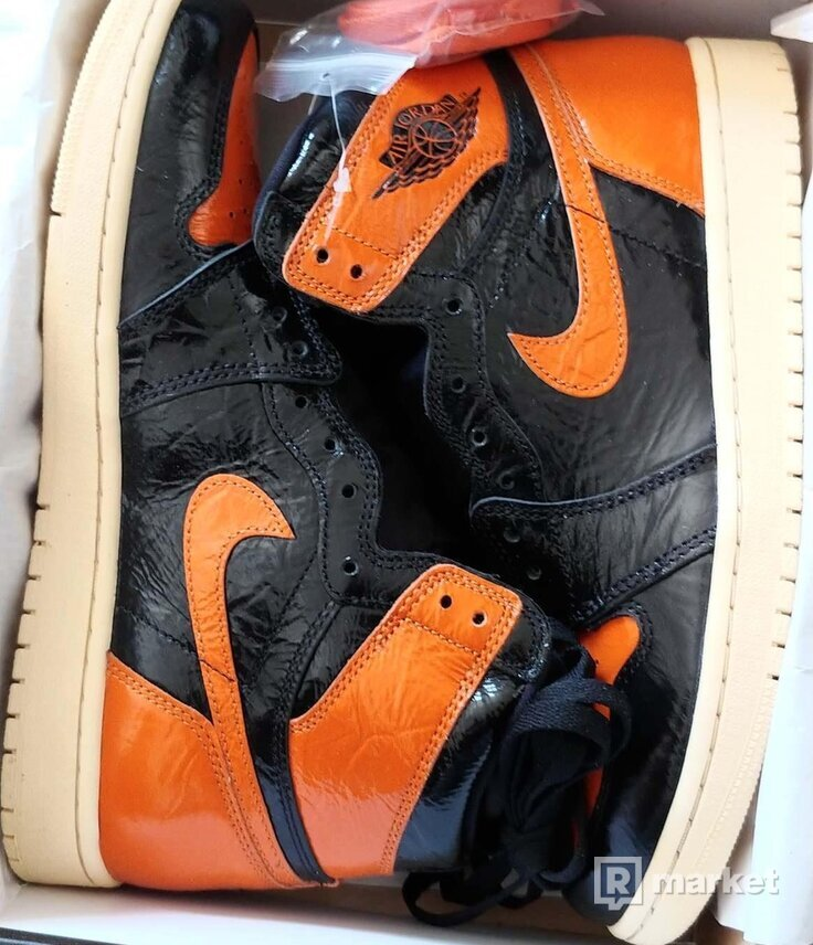 Nike Air Jordan 1 Retro High Shattered Backboard 3.0