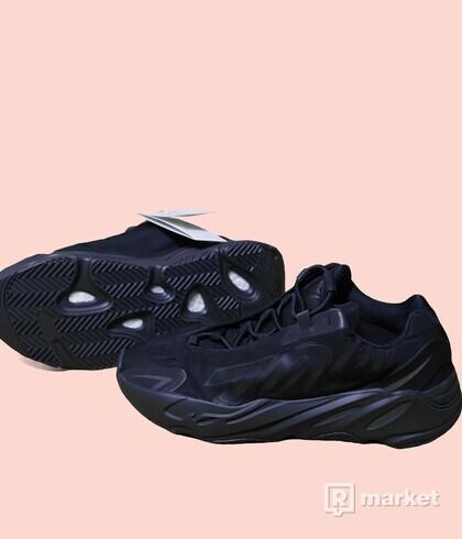 Yeezy 700 MNVN black