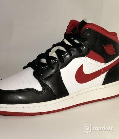 Air Jordan 1 Mid Gym Red