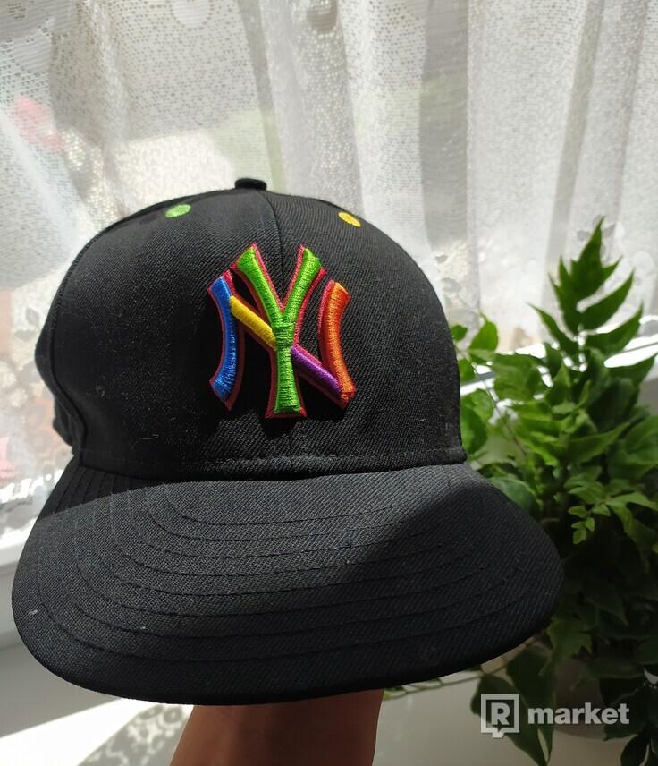 Justkidostyle New Era rainbow snapback