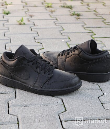 "Air Jordan 1 Low ""Triple Black"" - vel. 42.5"