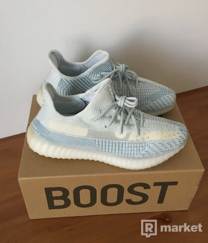 "Adidas Yeezy Boost 350 V2 ""Cloud White"" US10.5"