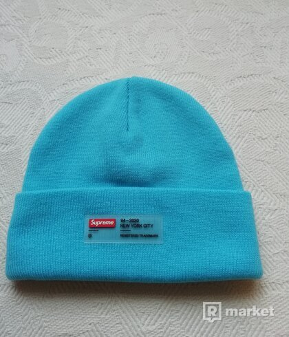 Supreme clear label beanie