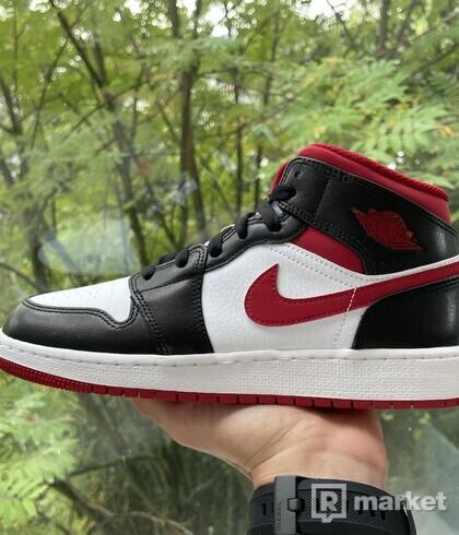Nike Air Jordan 1 Mid Gym Red Black White (GS) EU 39-40