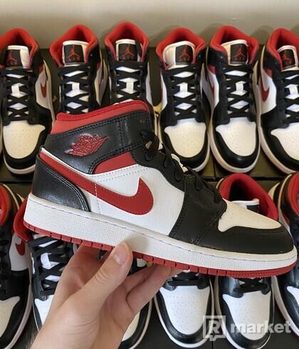 Jordan 1 Mid Black Gym Red