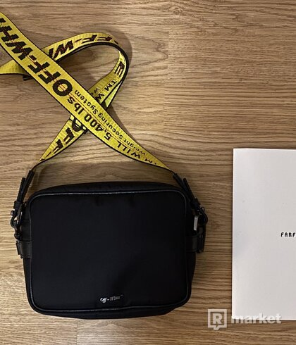 Off-White -  Crossbody bag