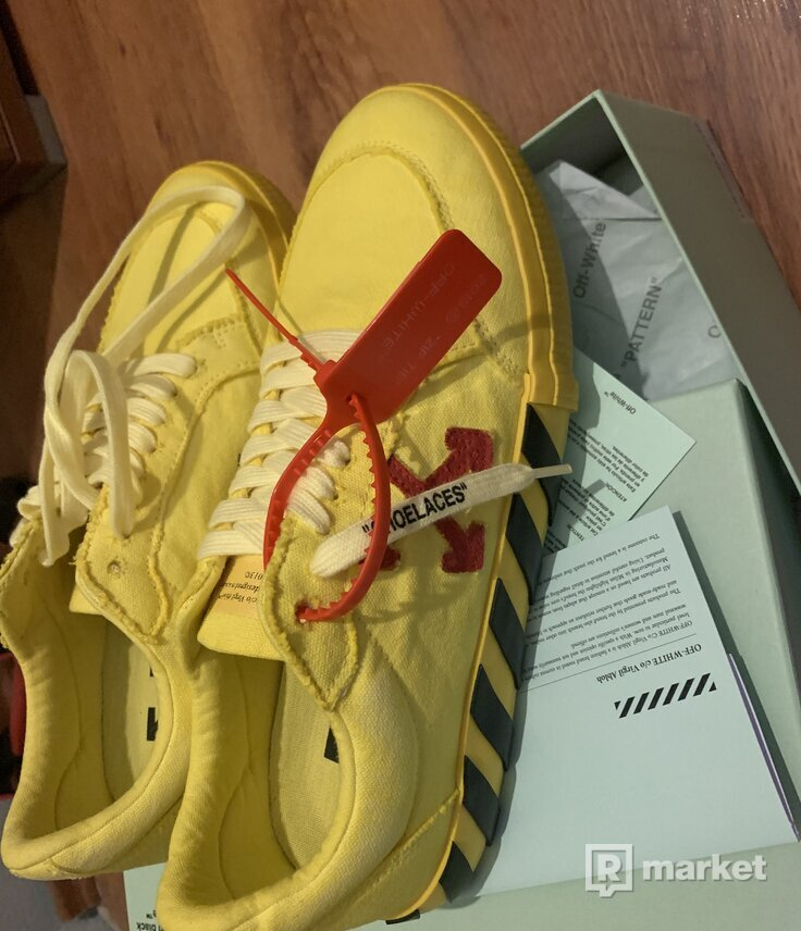 OFF-WHITE Low Vulc Yellow