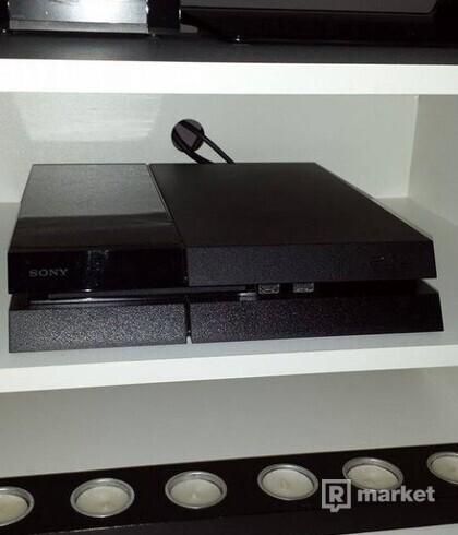-PS4- plus 2 ovladače