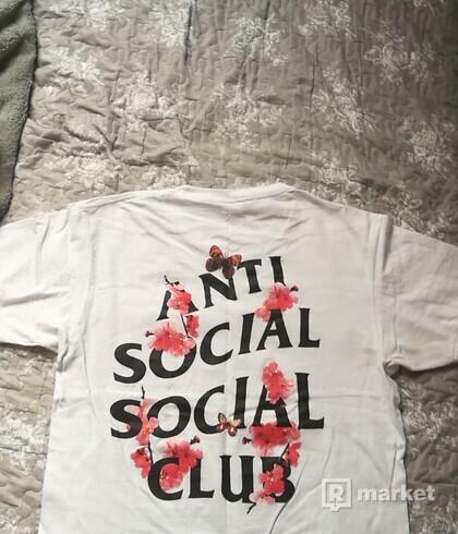 Anti social social club <3