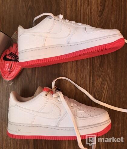 Nike Air Force 1 low pink
