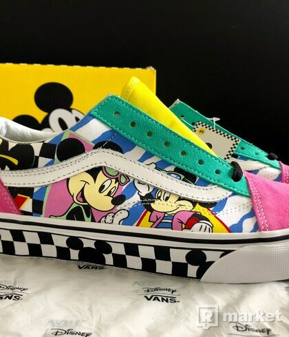 Vans Old Skool x Disney 80s Mickey