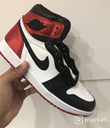 Nike Air Jordan Retro 1 Satin Black toe