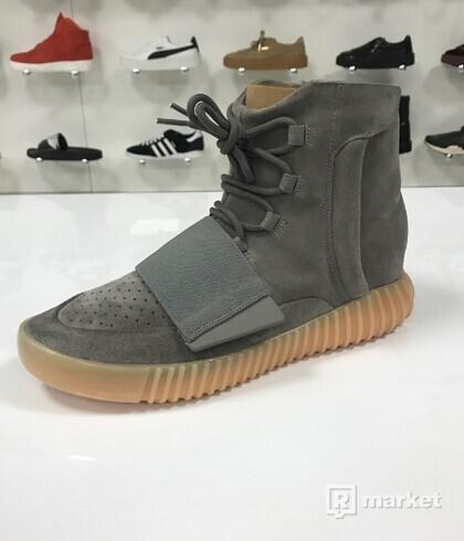 Adidas Yeezy Boost 700 Grey Gum