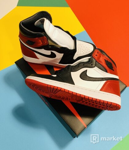 Jordan 1 Retro High Satin Black Toe (W) US 8,5