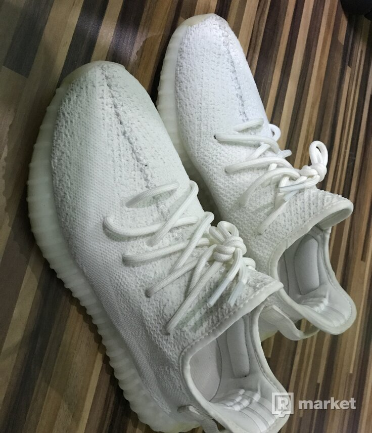 yeezy cream white 42