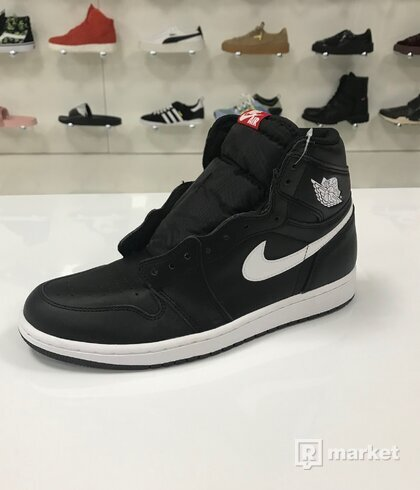 Air Jordan 1 Retro High OG Yin Yang Black