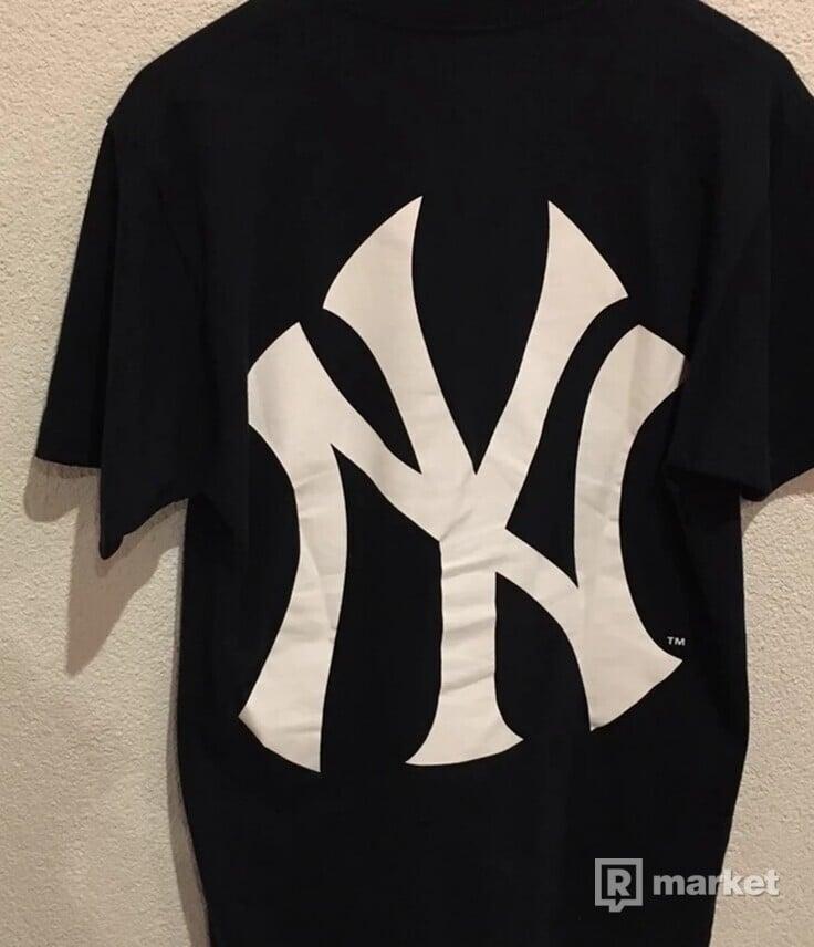 Supreme New York Yankees Boxlogo tee