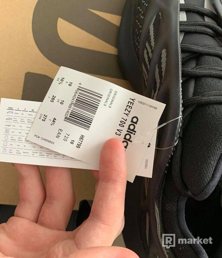 Adidas Yeezy 700 Alvah